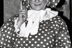 Elisabeth Schnell als Frau Holle